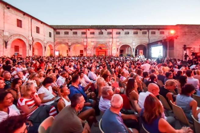 Il pubblico di Popsophia a Pesaro 2017.jpg