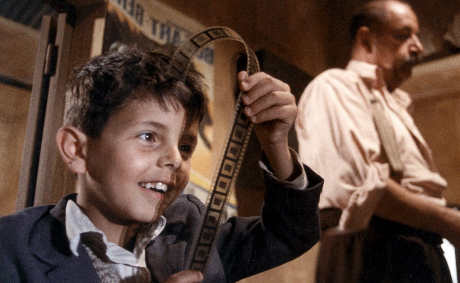 nuovo-cinema-paradiso-oscar-30-anni-fa-copia